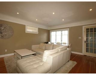 Photo 3: 4820 Albert Sreet in Burnaby: Capitol Hill BN House for sale (Burnaby North)  : MLS®# V805860