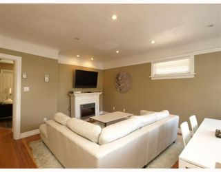 Photo 2: 4820 Albert Sreet in Burnaby: Capitol Hill BN House for sale (Burnaby North)  : MLS®# V805860