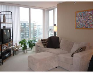 "Photo 4: # 3108 1438 RICHARDS ST in Vancouver: False Creek North Condo for sale in ""AZURA I"" (Vancouver West)  : MLS®# V808606"