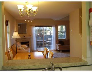 "Photo 3: 38 7433 16TH Street in Burnaby: Edmonds BE Townhouse for sale in ""VILLAGE DEL MAR"" (Burnaby East)  : MLS®# V672755"