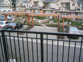 Photo 3: 57 245 FRANCIS Way in New_Westminster: Fraserview NW Townhouse for sale (New Westminster)  : MLS®# V681903