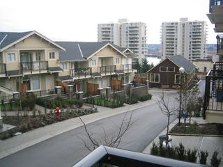 Photo 4: 57 245 FRANCIS Way in New_Westminster: Fraserview NW Townhouse for sale (New Westminster)  : MLS®# V681903