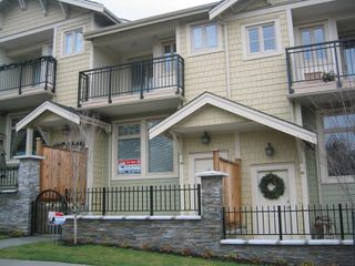 Photo 1: 57 245 FRANCIS Way in New_Westminster: Fraserview NW Townhouse for sale (New Westminster)  : MLS®# V681903