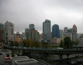 "Photo 8: 702 1455 HOWE Street in Vancouver: False Creek North Condo for sale in ""POMARIA"" (Vancouver West)  : MLS®# V682048"