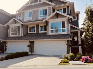Photo 1: 67 7848 170 Street in Surrey: Fleetwood Tynehead Townhouse for sale : MLS®# R2389317