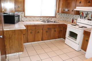 Photo 3: 16508 106 Street in Edmonton: Zone 27 House for sale : MLS®# E4181996