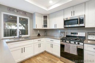Photo 12: SOUTHWEST ESCONDIDO House for sale : 3 bedrooms : 1289 Lancer Glen in Escondido