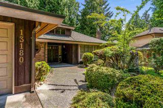 """Photo 2: 13180 AMBLE GREEN Close in White Rock: Crescent Bch Ocean Pk. House for sale in """"Cresent Beach Ocean Park"""" (South Surrey White Rock)  : MLS®# R2444264"""
