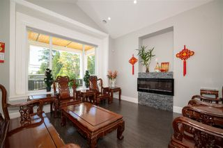 Photo 5: 6060 181A Street in Surrey: Cloverdale BC House for sale (Cloverdale)  : MLS®# R2491925
