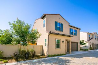Photo 5: SAN MARCOS House for sale : 5 bedrooms : 628 Gemstone Dr