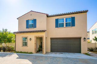 Photo 1: SAN MARCOS House for sale : 5 bedrooms : 628 Gemstone Dr