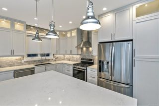 Photo 6: 2330 Azurite Cres in : La Bear Mountain House for sale (Langford)  : MLS®# 859454