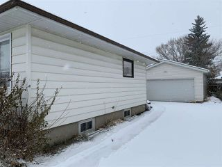 Photo 3: 16034 93 Avenue in Edmonton: Zone 22 House for sale : MLS®# E4220457