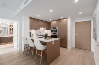 """Photo 2: 205 4988 CAMBIE Street in Vancouver: Cambie Condo for sale in """"Hawthorne"""" (Vancouver West)  : MLS®# R2518384"""