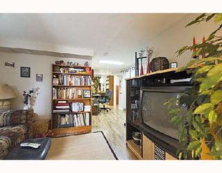 "Photo 8: 2366 CHARLES Street in Vancouver: Grandview VE House for sale in ""COMMERCIAL DRIVE"" (Vancouver East)  : MLS®# V706768"
