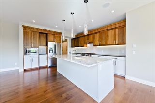 Photo 8: 22 WEXFORD Way SW in Calgary: West Springs Detached for sale : MLS®# C4258447