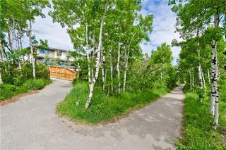 Photo 3: 22 WEXFORD Way SW in Calgary: West Springs Detached for sale : MLS®# C4258447