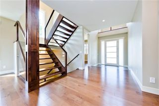 Photo 4: 22 WEXFORD Way SW in Calgary: West Springs Detached for sale : MLS®# C4258447