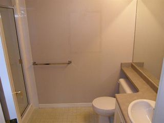 Photo 10: 408 22230 NORTH AVENUE in Maple Ridge: Home for sale : MLS®# V935346