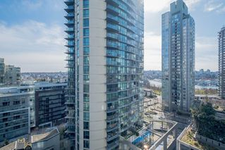 "Photo 12: 1207 1372 SEYMOUR Street in Vancouver: Downtown VW Condo for sale in ""THE MARK"" (Vancouver West)  : MLS®# R2445811"