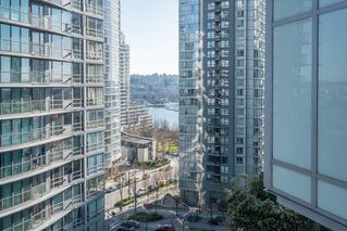 "Photo 13: 1207 1372 SEYMOUR Street in Vancouver: Downtown VW Condo for sale in ""THE MARK"" (Vancouver West)  : MLS®# R2445811"
