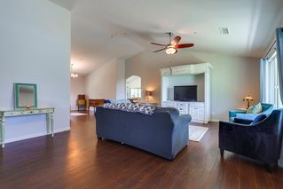 Photo 2: RAMONA House for sale : 3 bedrooms : 460 Pile St