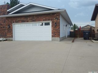 Photo 2: 109 3rd Street in Dundurn: Residential for sale : MLS®# SK819363