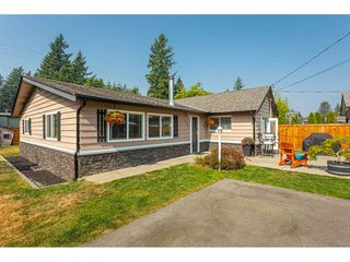 "Photo 1: 19659 36 Avenue in Langley: Brookswood Langley House for sale in ""Brookswood"" : MLS®# R2496777"