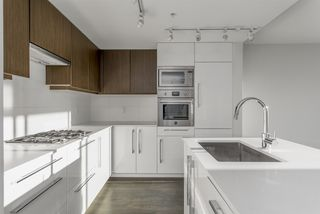 """Photo 4: 905 188 AGNES Street in New Westminster: Downtown NW Condo for sale in """"ELLIOT"""" : MLS®# R2516589"""