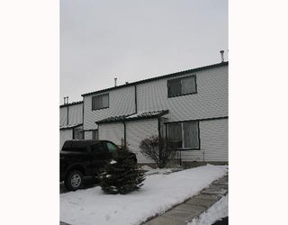 Photo 1: 208 PENNSYLVANIA Road SE in CALGARY: Penbrooke Townhouse for sale (Calgary)  : MLS®# C3257153