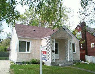 Main Photo: 220 ARMSTRONG Avenue in Winnipeg: West Kildonan / Garden City Single Family Detached for sale (North West Winnipeg)  : MLS®# 2508326