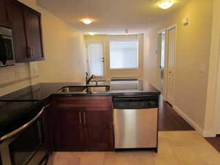 """Photo 3: #275 20170 FRASER HWY in LANGLEY: Langley City Townhouse for rent in """"PADDINGTON STATION"""" (Langley)"""