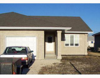 Photo 1: 78 SOUTHPARK Drive in NIVERVILLE: Glenlea / Ste. Agathe / St. Adolphe / Grande Pointe / Ile des Chenes / Vermette / Niverville Residential for sale (Winnipeg area)  : MLS®# 2802761