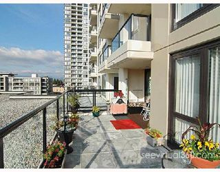 "Photo 1: 607 7063 HALL Avenue in Burnaby: VBSHG Condo for sale in ""Emerson"" (Burnaby South)  : MLS®# V696159"