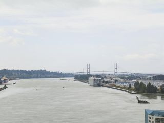 """Photo 14: 1801 668 COLUMBIA Street in New Westminster: Quay Condo for sale in """"Trapp + Holbrook"""" : MLS®# R2398194"""