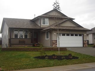 Photo 1: 2172 Stirling Crescent in East Courtenay: Residential Detached for sale