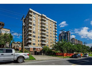 "Photo 2: 301 209 CARNARVON Street in New Westminster: Downtown NW Condo for sale in ""Argyle House"" : MLS®# R2466773"