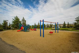 Photo 4: 231 Beckett Green in Saskatoon: Arbor Creek Residential for sale : MLS®# SK826274