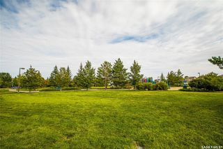 Photo 3: 231 Beckett Green in Saskatoon: Arbor Creek Residential for sale : MLS®# SK826274