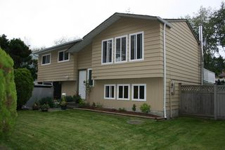 Photo 1: 6291 129A Street in Surrey: Home for sale : MLS®# F1026450