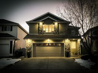 Photo 3: 12714 Douglasview Boulevard SE in Calgary: Douglasdale/Glen Detached for sale : MLS®# A1052479