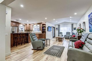 Photo 8: 12714 Douglasview Boulevard SE in Calgary: Douglasdale/Glen Detached for sale : MLS®# A1052479