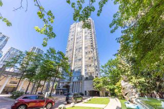 """Photo 2: 506 930 CAMBIE Street in Vancouver: Yaletown Condo for sale in """"PACIFIC PLACE LANDMARK 2"""" (Vancouver West)  : MLS®# R2524345"""