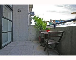 """Photo 10: 313 428 W 8TH Avenue in Vancouver: Mount Pleasant VW Condo for sale in """"XL LOFTS"""" (Vancouver West)  : MLS®# V667228"""