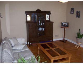 Photo 3: 586 SEVEN OAKS Avenue in WINNIPEG: West Kildonan / Garden City Single Family Detached for sale (North West Winnipeg)  : MLS®# 2719359