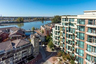 "Photo 18: 1407 1 RENAISSANCE Square in New Westminster: Quay Condo for sale in ""The Q"" : MLS®# R2418756"