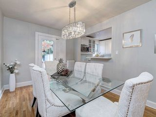Photo 7: 560 Davisville Avenue in Toronto: Mount Pleasant East House (2 1/2 Storey) for sale (Toronto C10)  : MLS®# C4866933