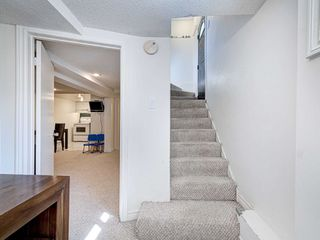 Photo 32: 560 Davisville Avenue in Toronto: Mount Pleasant East House (2 1/2 Storey) for sale (Toronto C10)  : MLS®# C4866933