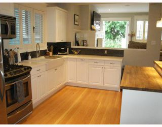 Photo 2: 2012 WILLIAM Street in Vancouver: Grandview VE House for sale (Vancouver East)  : MLS®# V795593