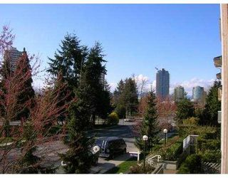"""Photo 5: 208 6676 NELSON Avenue in Burnaby: Metrotown Condo for sale in """"NELSON ON THE PARK"""" (Burnaby South)  : MLS®# V796012"""